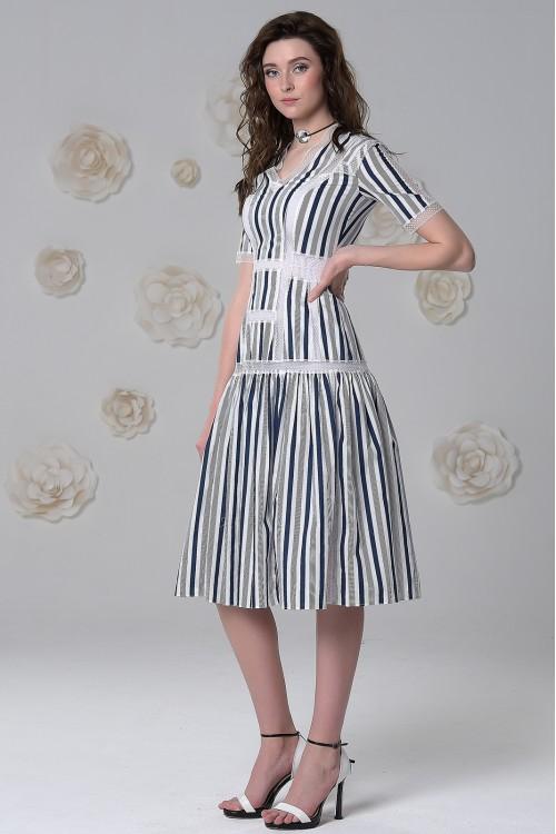 Платье Джейн Эйр из хлопка в полоску с воланом и кружевом